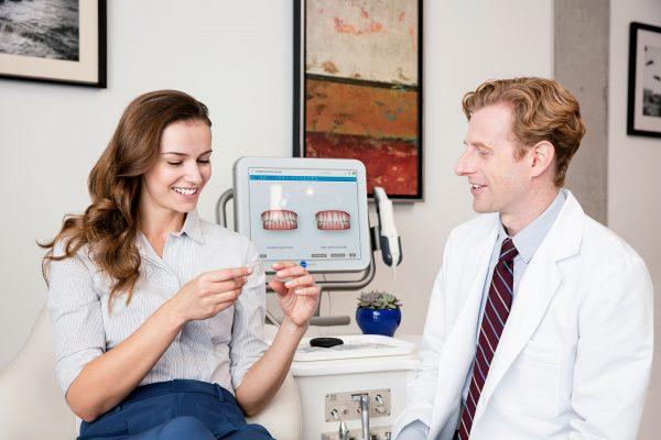 Ortodoncia invisible - Paciente con alineador